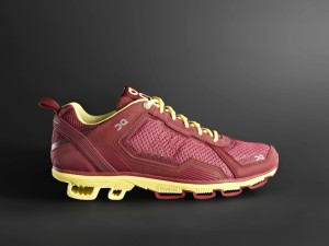 On Cloudrunner Women Tibetan Red Limelight 2 300x225 Unleash Your Inner Superhero